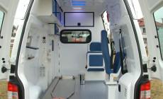 Sanitní vůz VW Transporter T5 - sanitní zástavba, montáž majáků