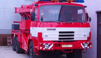 Montáž majákové rampy - hasičský vůz