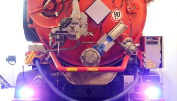 Dekonta sací cisterna FEKO-11 - majáková rampa, přídavná světla