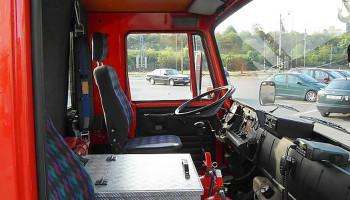 Plošina pražských drážních hasičů - montáž majáků