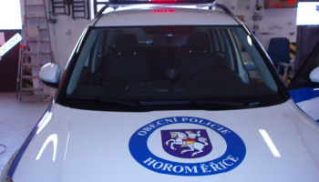 Obecní policie Horoměřice - majéková technika, polep vozidla