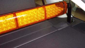 Montáž oranžové majákové rampy a LED navigační aleje