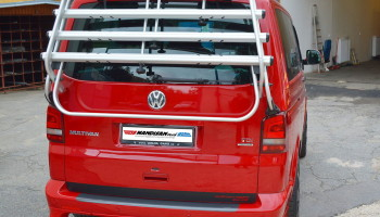 VW Multivan - montáž prahů a nosiče kol